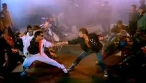 Beat It Knife Fight